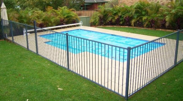Pool Fence 6 things to consider when installing pool fence